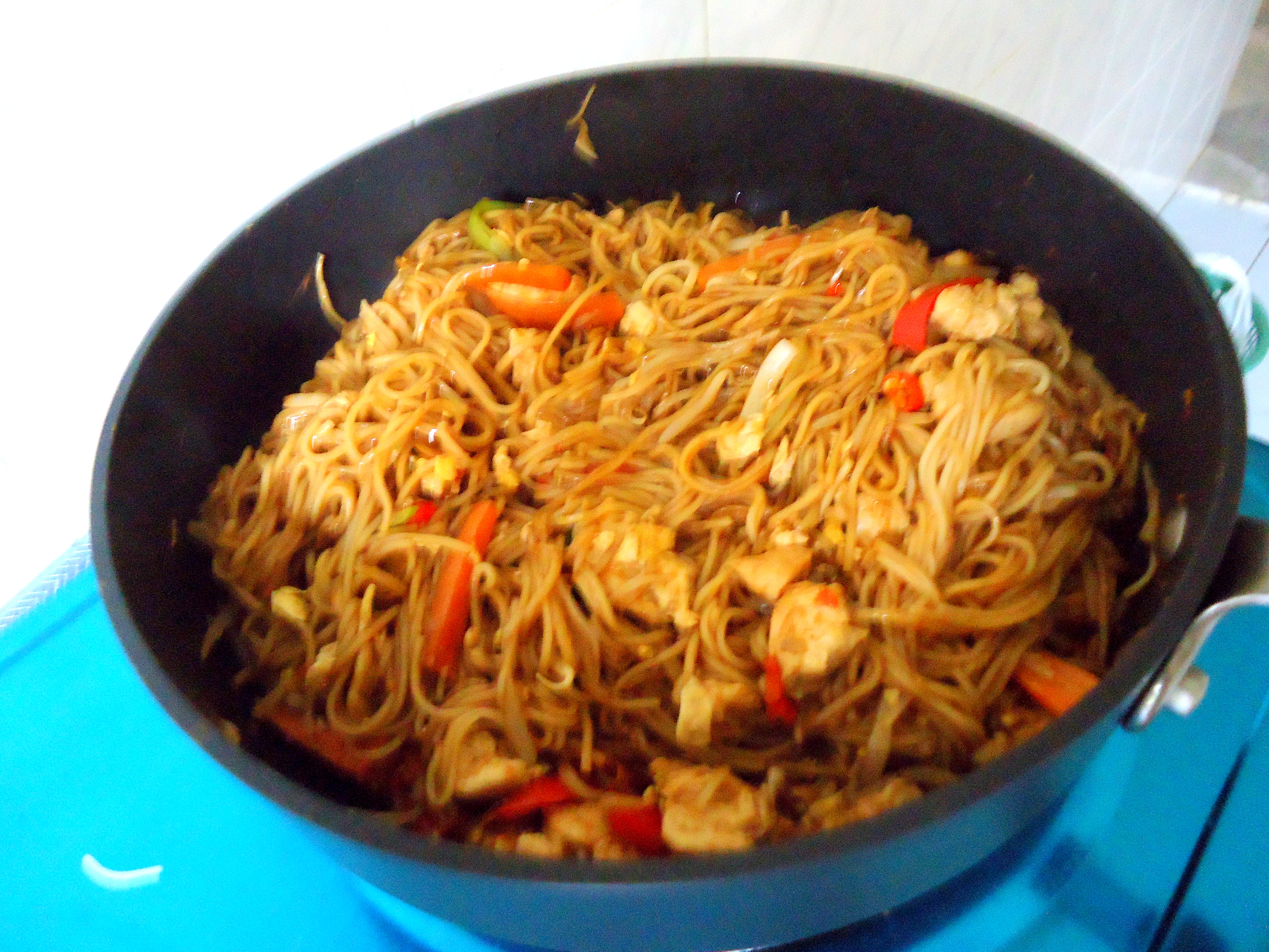 Authentic Malaysian Cuisine: Ayam Mee Goreng (Spicy Chicken Noodles) – Chattering Kitchen